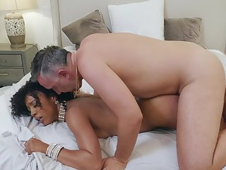 Ebony hottie Misty Stone gets undesigned take have fun with Keiran Lee